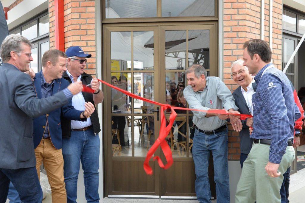 Novas casas inauguradas na Cidade do Leite