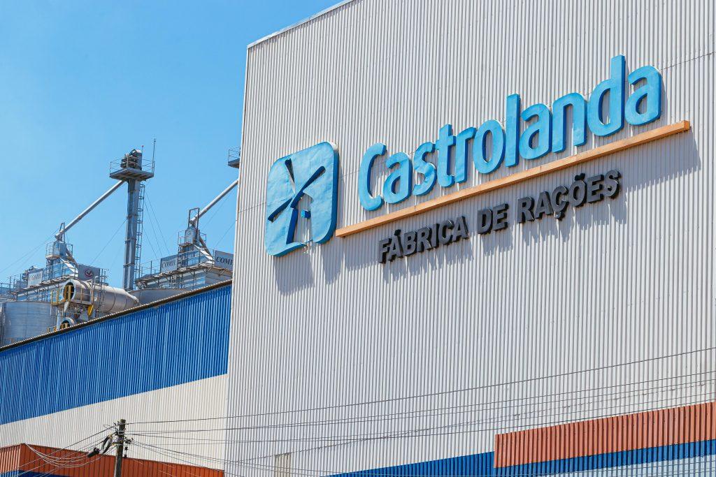 Cooperativa Castrolanda investe R$ 770 mil e amplia fábrica de ração