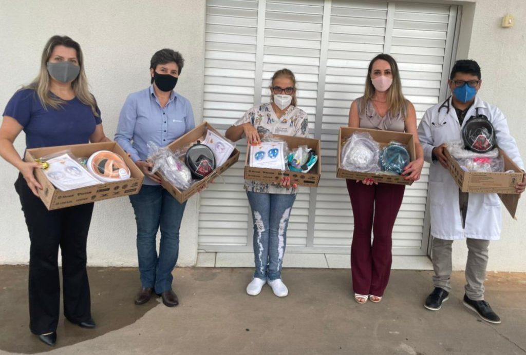 AFCC Castrolanda e Sicredi Campos Gerais doam máscaras respiratórias para UPA de Castro/PR