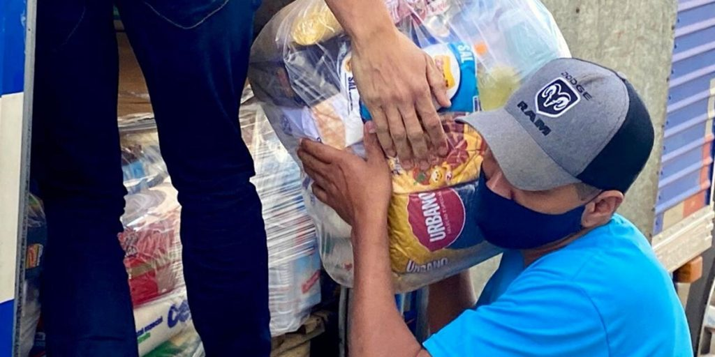 Fundo Social recebe cestas básicas da Castrolanda